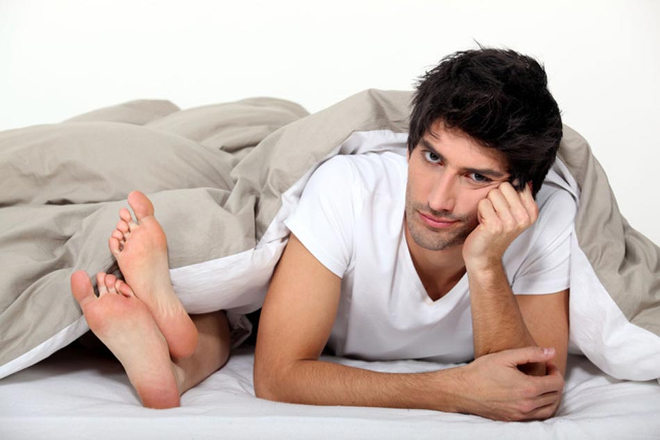 Nam giới bị viêm lợi gặp khó khăn trong quan hệ tình dục còn do bệnh này còn ảnh hưởng trực tiếp đến tuyến tiền liệt. (Ảnh minh họa)