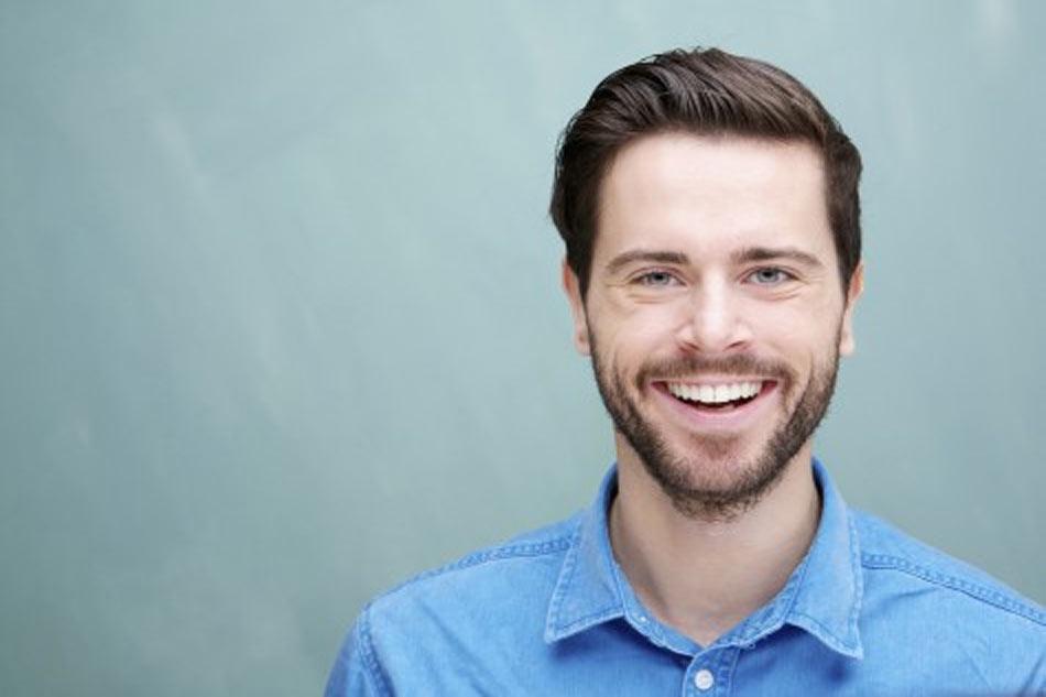 Sức khỏe răng lợi tốt sẽ giúp đàn ông tự tin và thành công. (Ảnh minh họa)