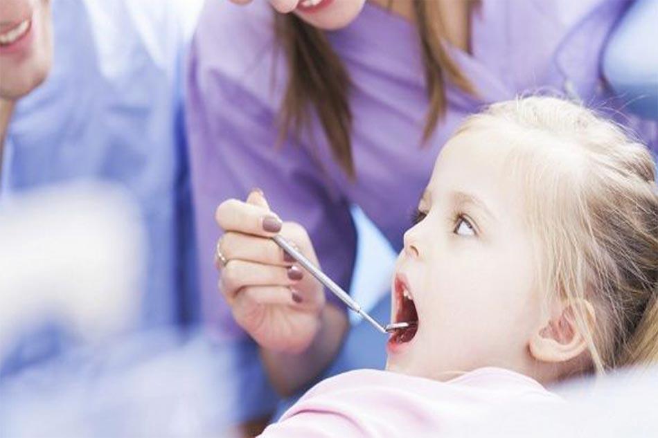 Trong quá trình niềng, hãy cố gắng giữ đúng lịch hẹn với nha sĩ để niềng răng đạt kết quả tốt nhất, đúng lịch trình nhất.