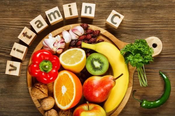 Thiếu hụt vitamin C gây ra những nhiễm khuẩn và chảy máu chân răng